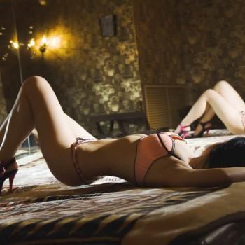 Проститутки голые пизды крупным плaном